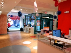 summit-retail-lobby